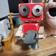 いろいろ部品/端材/ペットボトルのふた/ロボットくん/わたしのお気に入り またまたつくっちゃいました(*^^*)(2枚目)