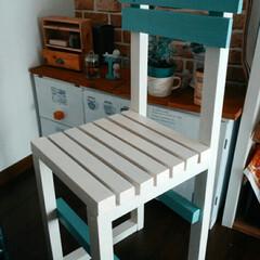 椅子 /DIY 以前作った机に色を合わせて娘ちゃんの椅子…