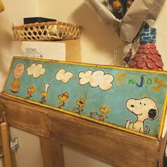 看板の裏/ブリキ看板リメイク/スヌーピー/アクリル絵の具/サビ加工/ニス/... ブリキ看板の裏側にスヌーピーお絵かき💕