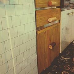 廃材/リメイクシート/キッチン キッチン扉をリメイクシートでペタペタし、…