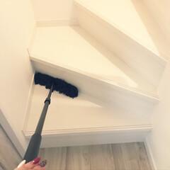階段/階段掃除 階段掃除 ダスキンのララ ホコリが舞上げ…