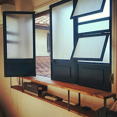 出窓風/断熱対策/フォトフレームリメイク/シャビーシック/二重窓/DIY/... 二重窓diy 100均のフォトフレームを…