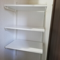 棚/シューズクローク/玄関あるある/DIY収納/収納/暮らし/... シューズクロークに棚をつけました⸜(*…