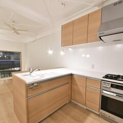 ナチュラル/リビング/天井塗装/L字キッチン/オーダー 調理のしやすいL字型キッチンを配備しまし…