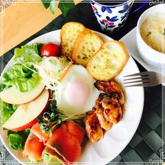 お家ご飯/ワンプレート/朝ご飯/フード 朝ご飯  ガーリックトースト ポテトグラ…(1枚目)
