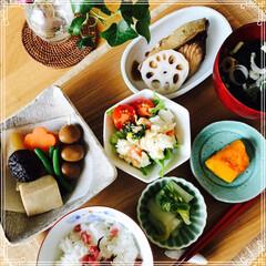 朝ご飯/お家ご飯/フード 朝ご飯 ぶりの煮付け 煮物   サラダ …
