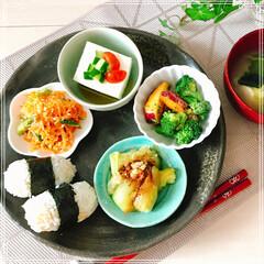 ワンプレート/朝ご飯/おうちごはん/フード 朝ご飯 超 ヘルシ〜 朝ご飯です🌱 野菜…