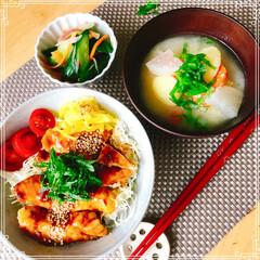 朝ご飯/丼/梅雨/おうちごはん/フード おはようございます☁️  日曜日の遅めの…