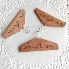 ドールハウス/ハンガー/ミニチュア雑貨/ミニチュア/木工 これは小さな小さなハンガー✨ 私が作った…