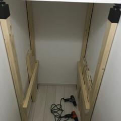 階段下/ラブリコ/リフォーム/DIY/収納 カットも終わり組み始めましたが疲れてきた…