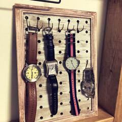 時計/ワトコオイル/ヌーロ/有孔ボード/端材/DIY/... 妻の要望で腕時計掛けを作ってみました! …(1枚目)