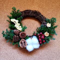 スワッグ作り/ヒムロスギ/サンキライ/リース作り/アーチの花全てをサプライズプレゼント/三重はなフェスタ またまた三重はなフェスタのphotoです…(5枚目)