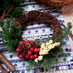 スワッグ作り/ヒムロスギ/サンキライ/リース作り/アーチの花全てをサプライズプレゼント/三重はなフェスタ またまた三重はなフェスタのphotoです…(4枚目)
