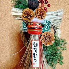 DAISO/Seria/ヒムロスギ/松ぼっくり/蓮/ハンドメイド/...  お家用のしめ縄飾り(^ー^)     (2枚目)