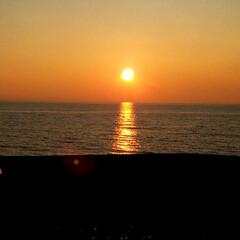 風景/青空/夕日/うみ 今年初めての海🌊 夕日が綺麗でした🌅  …
