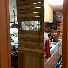 パーテンション/ディアウォール/キッチン/目隠し 玄関から丸見えだったキッチンにパーテンシ…