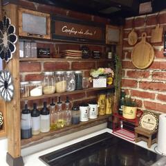 パタパタ扉/調味料棚/ディアウォール/キッチン ディアウォールを使った調味料棚です:.*…