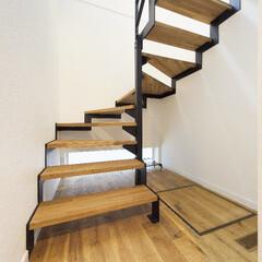 階段/揺れない/アート 揺れない階段