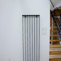 暖房/パネルヒーター インテリアと調和するマットブラック素材の…