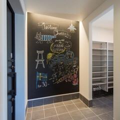 シューズクローク/玄関/黒板ウォール 大容量のシューズクローク完備で、いつも玄…