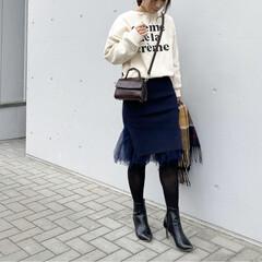 ママコーデ/ママファッション/スカートコーデ/きれいめカジュアル/ロゴスウェット/大人カジュアル/... コーデ   久しぶりに膝丈スカートを着た…