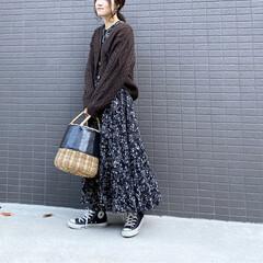 ワンピース コーデ/花柄/花柄ワンピース/冬コーデ/ママコーデ/ママファッション/... コーデ   花柄ワンピースを スニーカー…