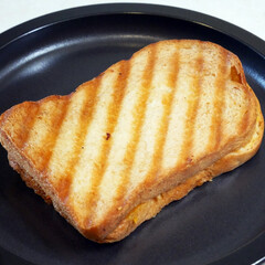 ジョエル・ロブション/パン屋さん/海老のパニーニ/丸の内/ミシュラン/ホットサンド/... 久しぶりに立ち寄った大好きなパン屋さんで…