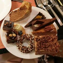 シャンパン・バー/ANAインターコンチネンタルホテル東京/スイーツブッフェ/チョコレートスイーツブッフェ/食べ放題/溜池山王 チョコレート尽くしのスイーツブッフェに行…