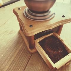 ランチタイム/コク/かりたのコーヒーミル/マッタリ/休憩/コーヒードリッパー/... カリタのコーヒーミル  豆を挽くとコクが…
