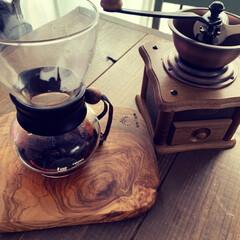 コーヒードリッパー/コーヒーメーカー/コーヒーテーブル/珈琲/カフェ風インテリア/カリタのドリッパー/... やはり豆を挽くと美味しい♪