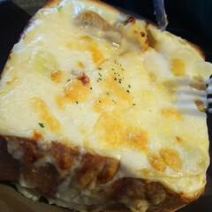 グラタントースト/ジロー珈琲 こちらがグラタントースト 食パン1斤程の…