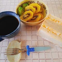 ベビーキウイ/キウイ/nagomiさんの作品コーヒカップ.../朝食 おはー(((o(*゚▽゚*)o))) 今…