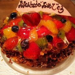 誕生日ケーキ 娘とパパさんから誕生日ケーキ頂きました💕…