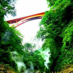 渓谷/橋/ドライブ/朱色 朱色。 写真で見た景色追跡して辿り着いた…