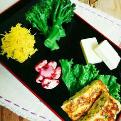 食用菊/お酒のおつまみ/お疲れさま/おうちごはん 今晩のお酒のお供🍶 ブロッコリーの浅漬、…