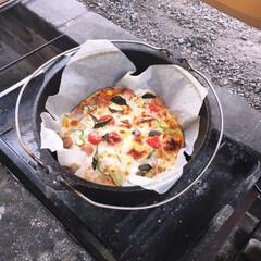 ダッチオーブン/ピザ/フード/グルメ ダッチオーブンで‼︎激ウマ手作りピザ♡