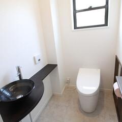 タンクレストイレ/TOTO/和モダン 清潔感のある白を基調に、タンクレストイレ…