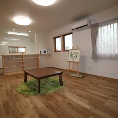 床暖房 全面に温水式の床暖房を設置したLDK。 …