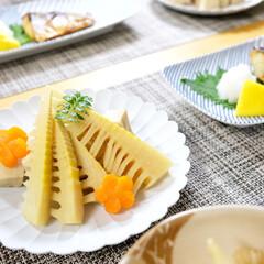筍/煮物/おうちごはん/高野豆腐/わたしのごはん/料理 おばあちゃんが皮付きの立派な筍をたくさん…
