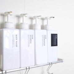 風呂/お風呂/シャンプーボトル/キャンドゥ/100均/lovehome/... お風呂のシャンプーボトルたち。  新発売…