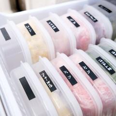 冷凍室/冷蔵庫/収納/セリア/100均/雑貨/... 最近見直した冷凍室。  セリアで買った「…