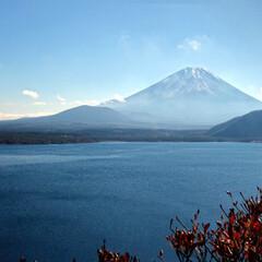 富士山/本栖湖/旅/旅行/千円札/山梨 本栖湖と富士山。 千円札の裏に描かれてい…