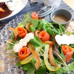 おうちごはん/ハロウィン/料理/サラダ/ナハトマン/ボサノバ/... 先日のハロウィンの時のサーモンサラダ。 …