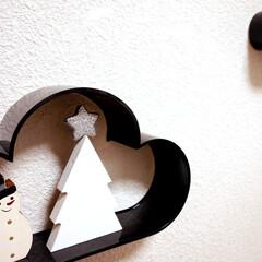 Xmas/クリスマス/セリア/100均/ダイソー/オーナメント/... セリアで買った小さなツリー。 べージュっ…(1枚目)