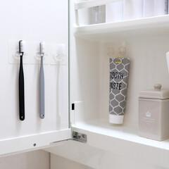 ニトリ/歯ブラシ/収納/洗面所/洗面台/生活雑貨/... ニトリの「シールフック 歯ブラシホルダー…
