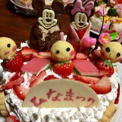 ひな祭り/雛ケーキ/雛祭り 昨年の  雛ケーキ 生クリームが 足りな…