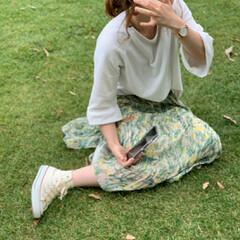 ボタニカル柄/春ファッション/おちびコーデ/ママコーデ/ファッション この間友達と子供達と公園行った時いつの間…