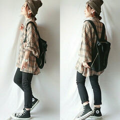 チェックシャツ/しまむらコーデ/プチプラ/ママコーデ/秋ファッション/ニット帽/... 抜き襟の着方が主流だけど、ボタンを上まで…