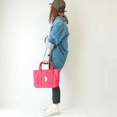デニムシャツ/キャップ/ママファッション/ママコーデ/ファッション 公園コーデ( ˘ᵕ˘ )✩.*˚  動き…