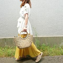 かごバッグ/ロングスカートスカート/プリーツスカート/夏ファッション/ママファッション/ファッション 夏らしいイエロー×ホワイトコーデ✩.*˚…